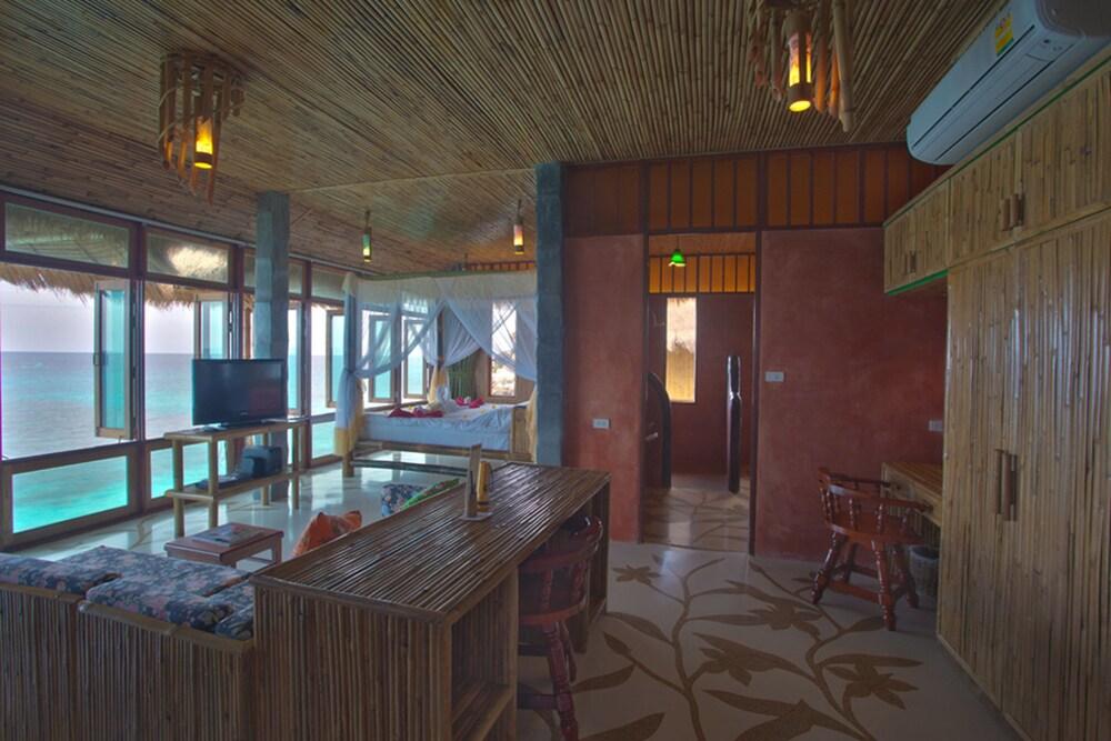 코 타오 뱀부 헛츠(Koh Tao Bamboo Huts) Hotel Image 6 - Guestroom