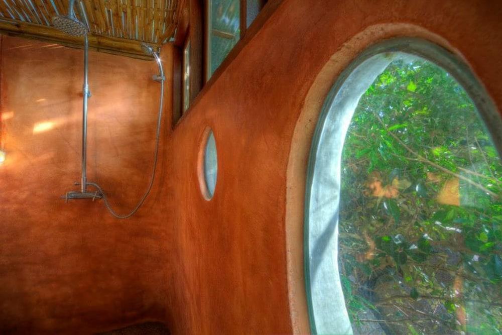 코 타오 뱀부 헛츠(Koh Tao Bamboo Huts) Hotel Image 63 - Bathroom