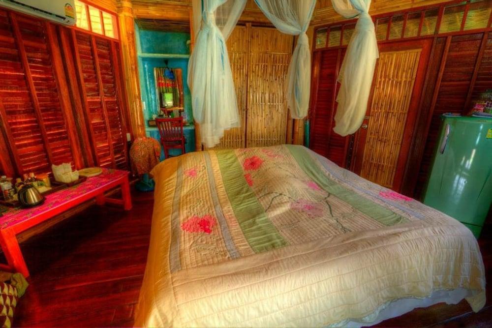 코 타오 뱀부 헛츠(Koh Tao Bamboo Huts) Hotel Image 17 - Guestroom