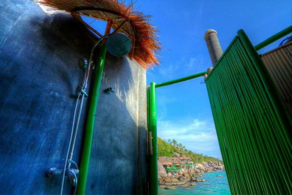 코 타오 뱀부 헛츠(Koh Tao Bamboo Huts) Hotel Image 66 - Bathroom