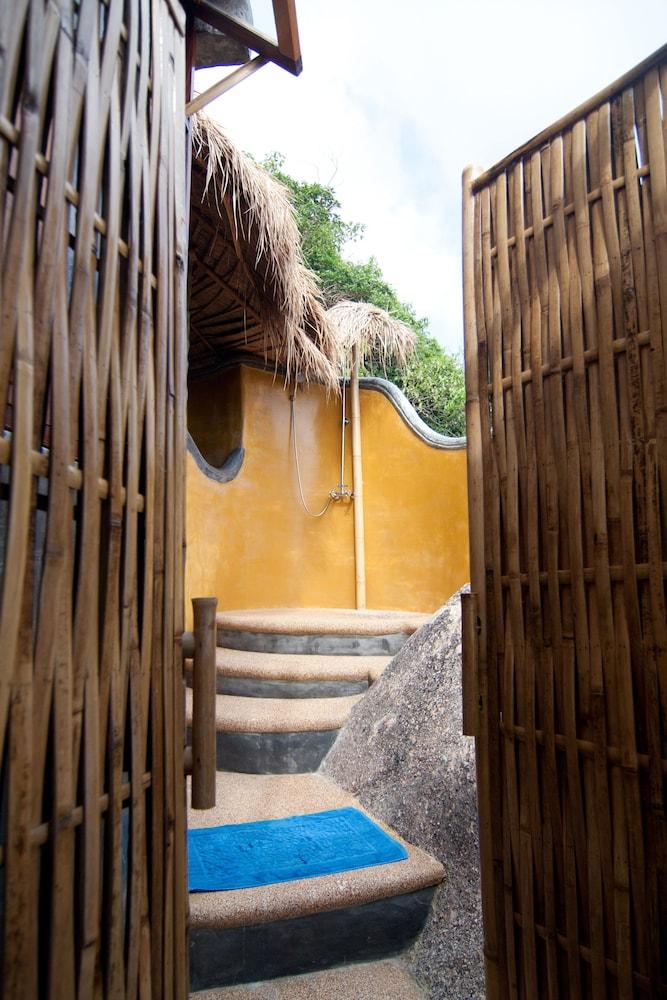 코 타오 뱀부 헛츠(Koh Tao Bamboo Huts) Hotel Image 60 - Bathroom