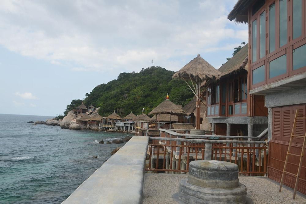 코 타오 뱀부 헛츠(Koh Tao Bamboo Huts) Hotel Image 107 - Balcony View