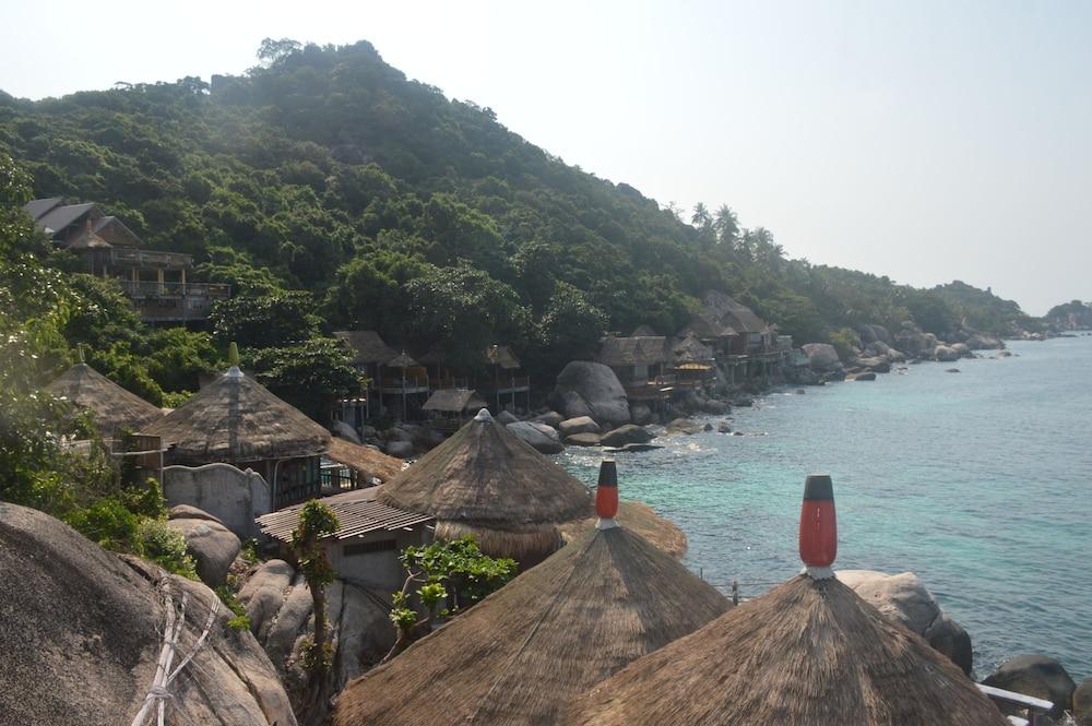 코 타오 뱀부 헛츠(Koh Tao Bamboo Huts) Hotel Image 54 - Resort View