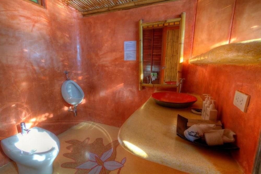 코 타오 뱀부 헛츠(Koh Tao Bamboo Huts) Hotel Image 70 - Bathroom