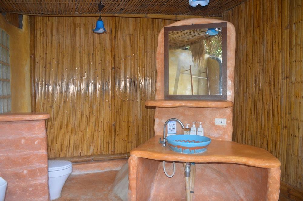 코 타오 뱀부 헛츠(Koh Tao Bamboo Huts) Hotel Image 80 - Bathroom