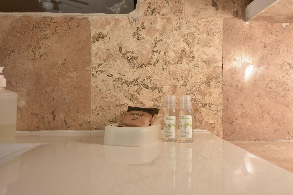 마야 브릭 호텔(Maya Bric Hotel) Hotel Image 16 - Bathroom