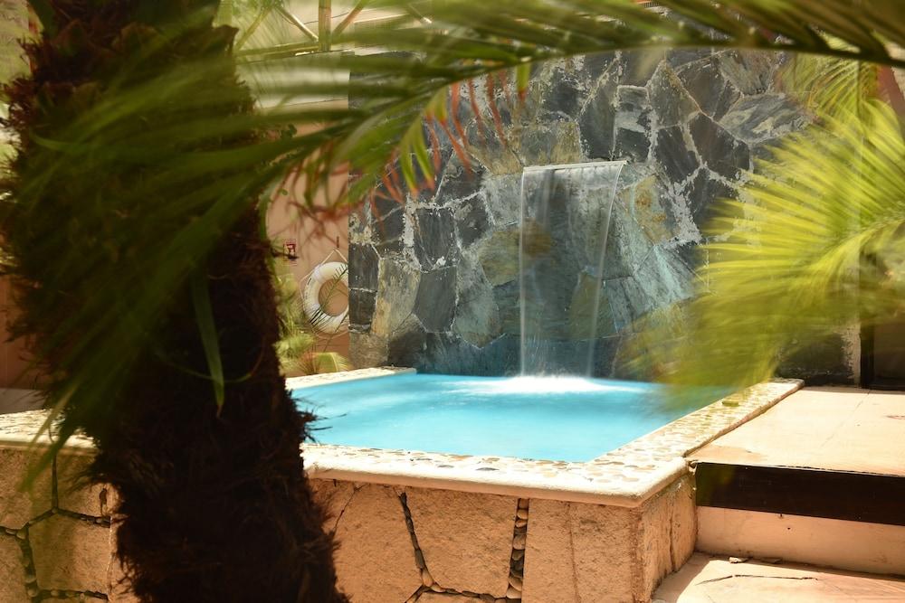 마야 브릭 호텔(Maya Bric Hotel) Hotel Image 50 - Outdoor Spa Tub