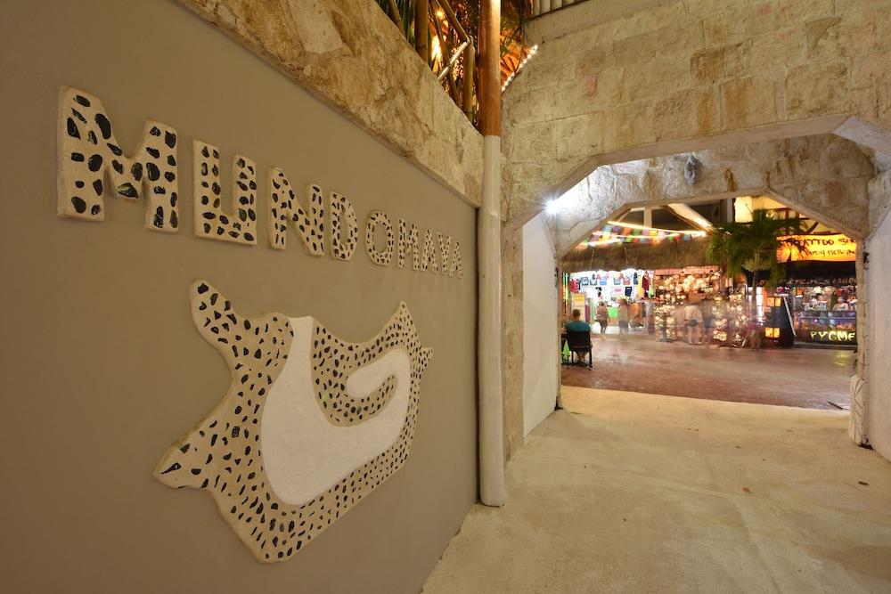 마야 브릭 호텔(Maya Bric Hotel) Hotel Image 5 - Interior Entrance