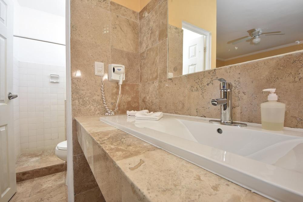 마야 브릭 호텔(Maya Bric Hotel) Hotel Image 17 - Bathroom