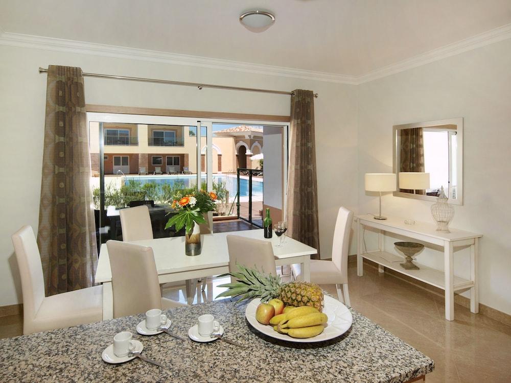 보아비스타 골프 앤드 스파 리조트(Boavista Golf & Spa Resort) Hotel Image 11 - In-Room Dining