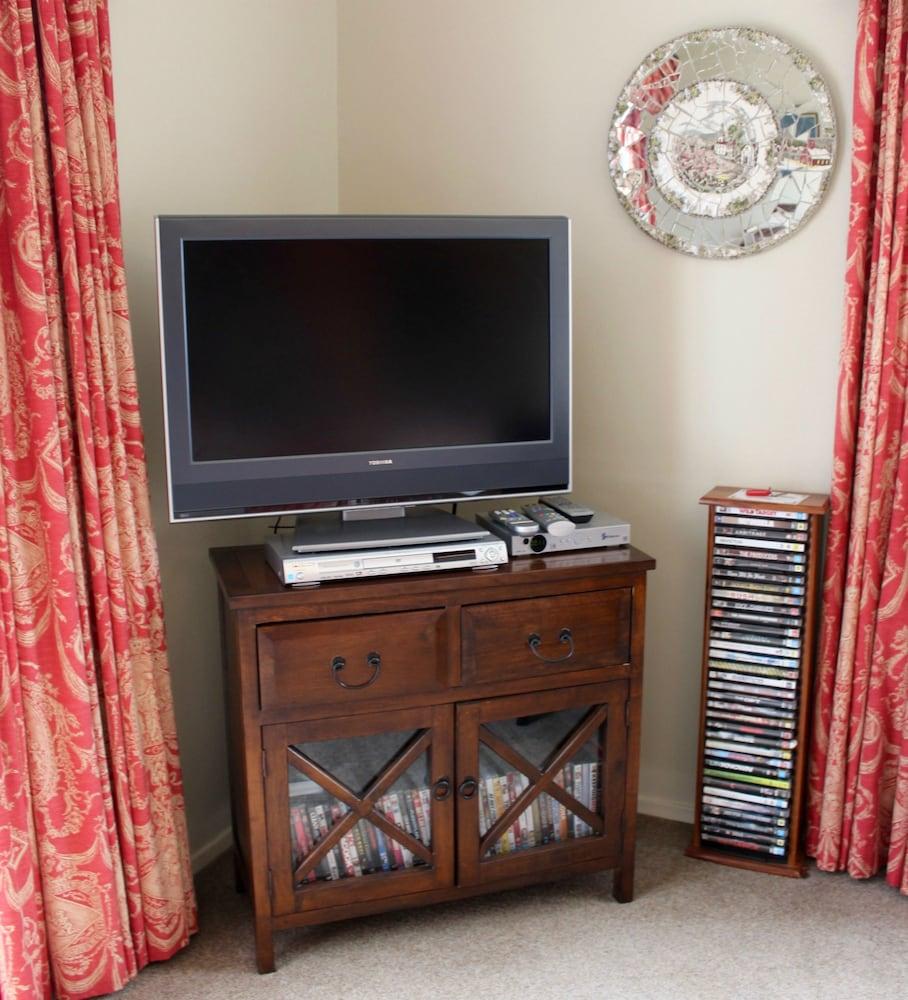 투더 매너 베드 앤드 브렉퍼스트(Tudor Manor Bed & Breakfast) Hotel Image 30 - Guestroom
