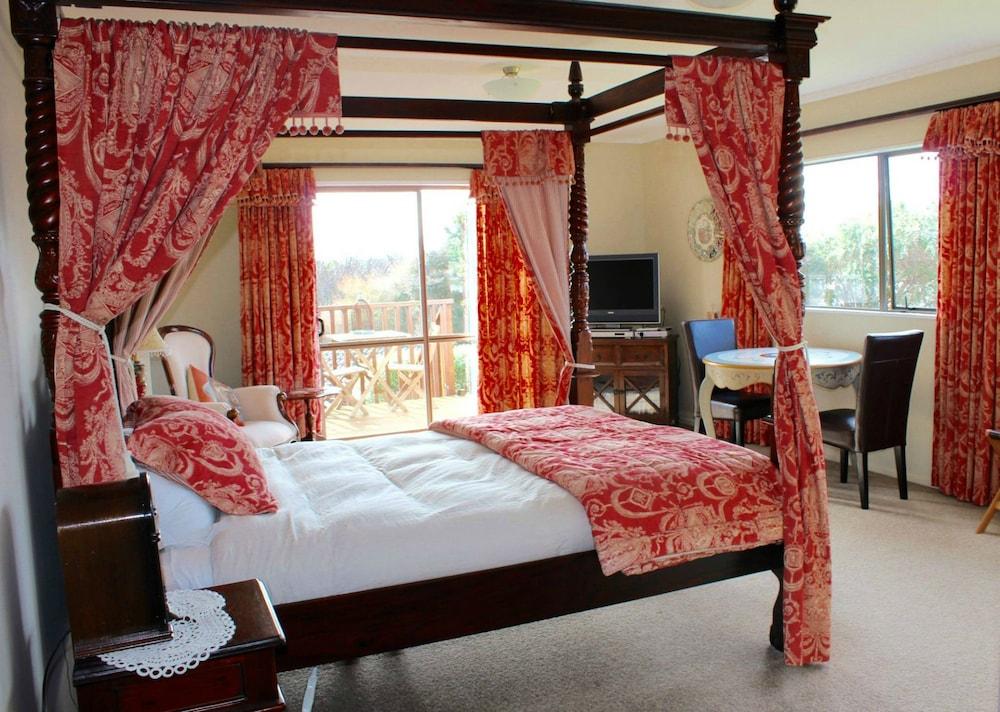 투더 매너 베드 앤드 브렉퍼스트(Tudor Manor Bed & Breakfast) Hotel Image 8 - Guestroom
