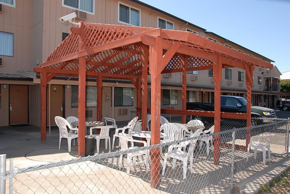 레드먼드 인(Redmond Inn) Hotel Image 22 - Porch