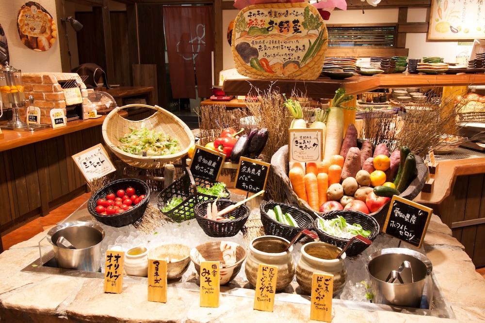 호텔 비스타 프레미오 교토 가와라마치 스트리트(Hotel Vista Premio Kyoto Kawaramachi St.) Hotel Image 0 - Featured Image