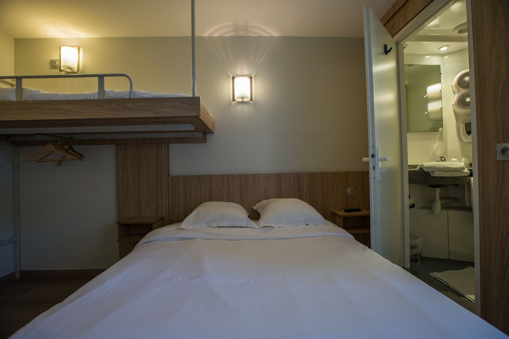 브릿 호텔 파크 아주르 툴롱(Brit Hotel Parc Azur Toulon) Hotel Image 7 - Guestroom