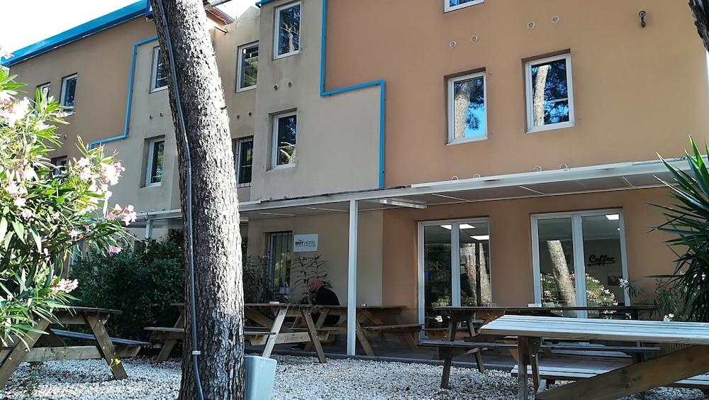 브릿 호텔 파크 아주르 툴롱(Brit Hotel Parc Azur Toulon) Hotel Image 50 - Hotel Front