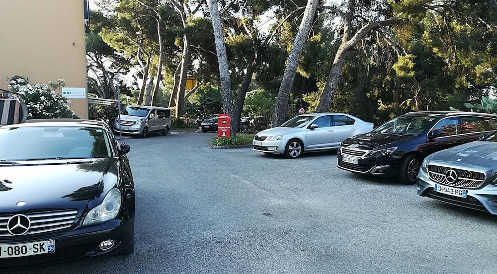 브릿 호텔 파크 아주르 툴롱(Brit Hotel Parc Azur Toulon) Hotel Image 52 - Parking