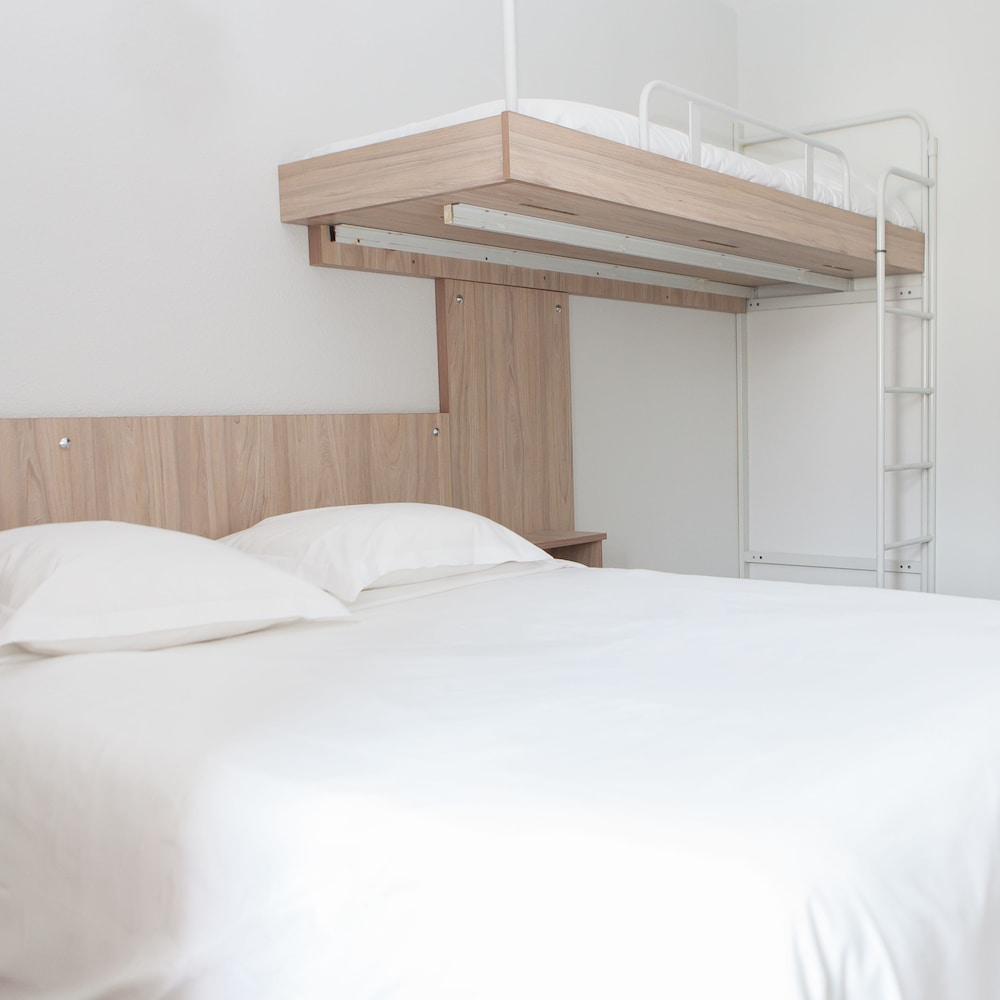 브릿 호텔 파크 아주르 툴롱(Brit Hotel Parc Azur Toulon) Hotel Image 3 - Guestroom