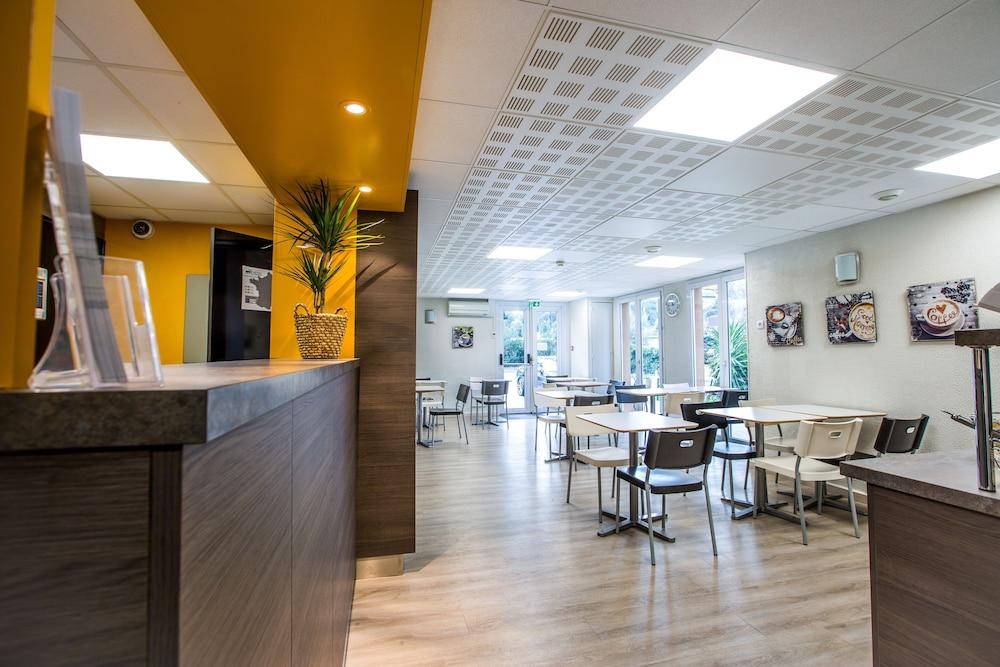 브릿 호텔 파크 아주르 툴롱(Brit Hotel Parc Azur Toulon) Hotel Image 38 - Breakfast Area