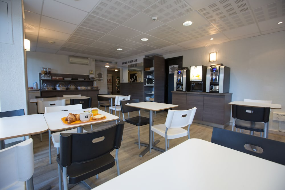 브릿 호텔 파크 아주르 툴롱(Brit Hotel Parc Azur Toulon) Hotel Image 35 - Breakfast Area