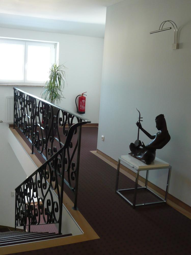 부티크-호텔 & 아파트먼트 암 에시그만구트(Boutique-Hotel & Apartments am Essigmanngut) Hotel Image 18 - Hallway