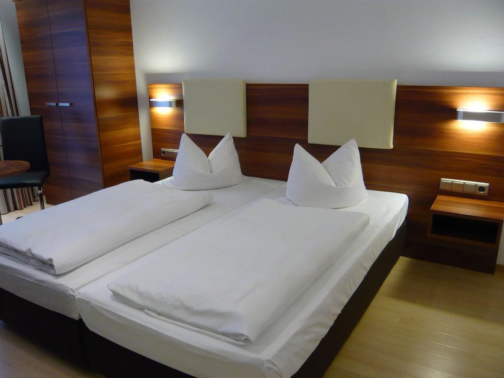 부티크-호텔 & 아파트먼트 암 에시그만구트(Boutique-Hotel & Apartments am Essigmanngut) Hotel Image 5 - Guestroom