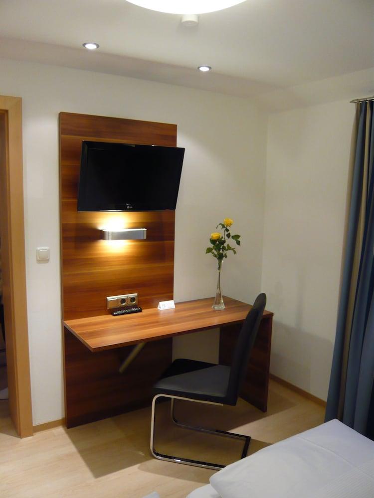부티크-호텔 & 아파트먼트 암 에시그만구트(Boutique-Hotel & Apartments am Essigmanngut) Hotel Image 13 - Guestroom