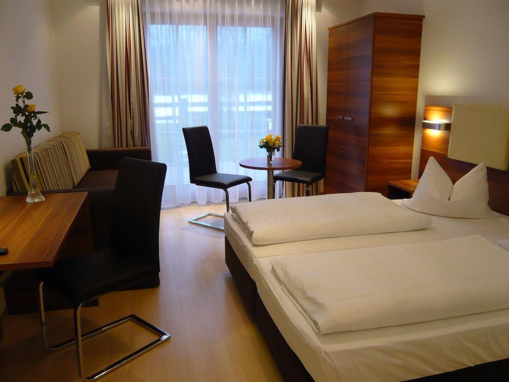 부티크-호텔 & 아파트먼트 암 에시그만구트(Boutique-Hotel & Apartments am Essigmanngut) Hotel Image 4 - Guestroom