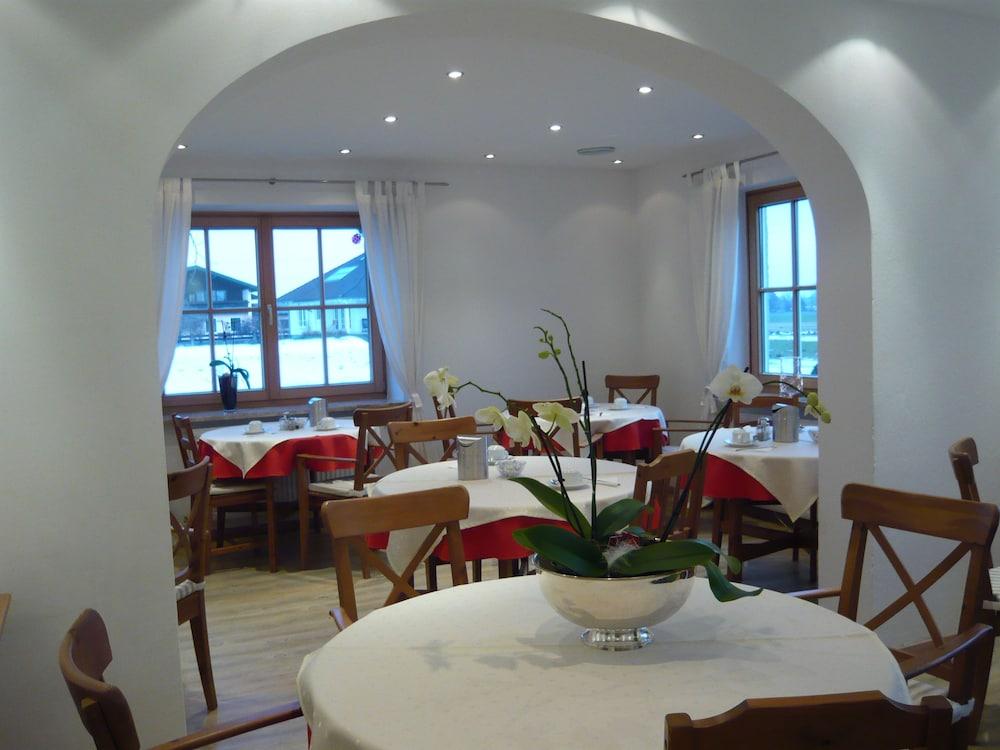 부티크-호텔 & 아파트먼트 암 에시그만구트(Boutique-Hotel & Apartments am Essigmanngut) Hotel Image 17 - Dining