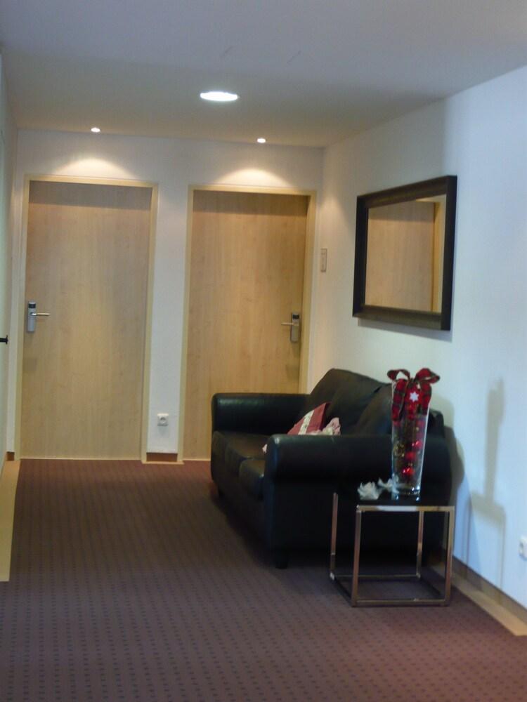 부티크-호텔 & 아파트먼트 암 에시그만구트(Boutique-Hotel & Apartments am Essigmanngut) Hotel Image 20 - Hallway