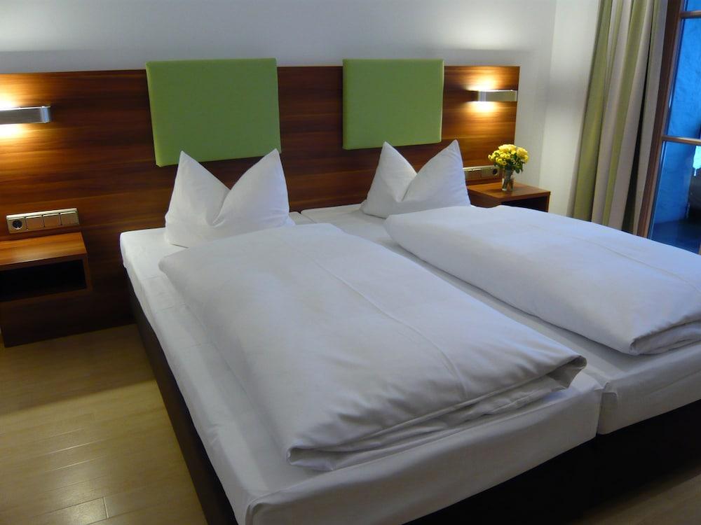 부티크-호텔 & 아파트먼트 암 에시그만구트(Boutique-Hotel & Apartments am Essigmanngut) Hotel Image 2 - Guestroom