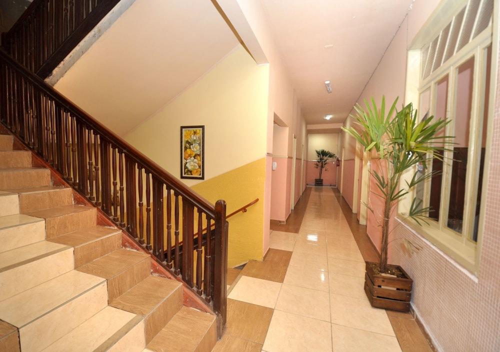 호텔 노르만디(Hotel Normandie) Hotel Image 40 - Staircase