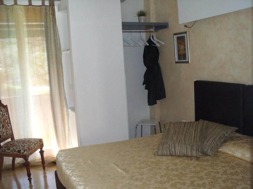 호텔 세레노(Hotel Sereno) Hotel Image 16 - Guestroom