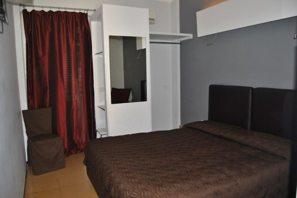 호텔 세레노(Hotel Sereno) Hotel Image 19 - Guestroom