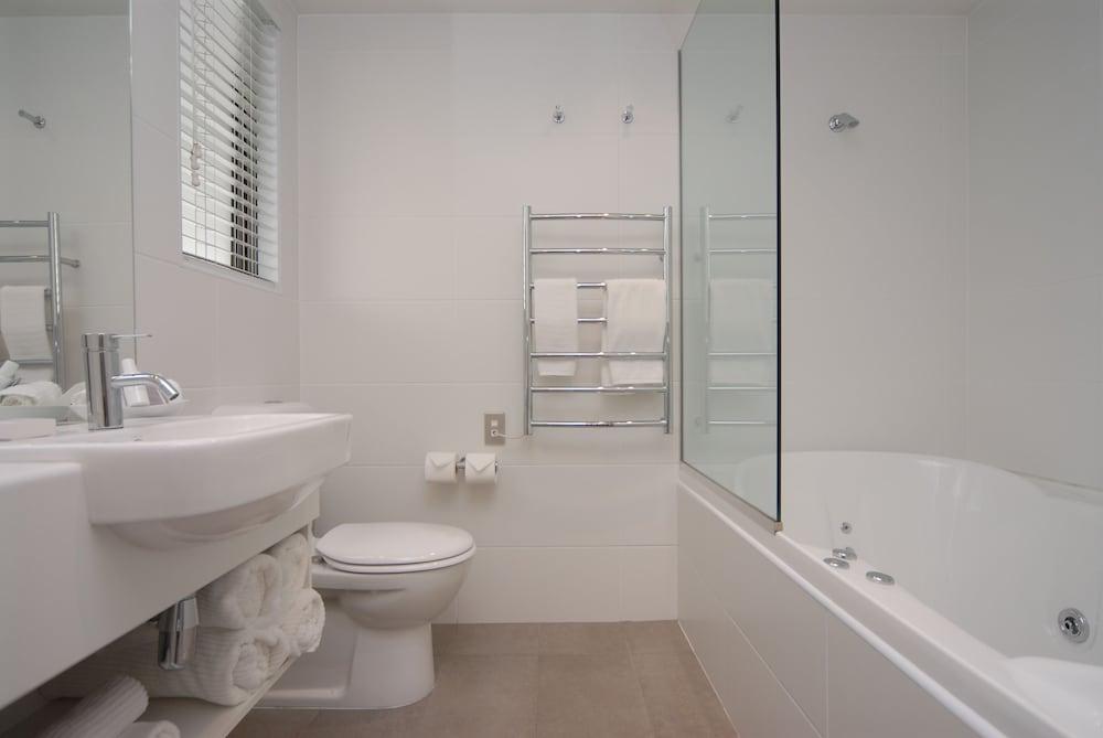 블루스톤 온 조지(Bluestone On George) Hotel Image 33 - Bathroom
