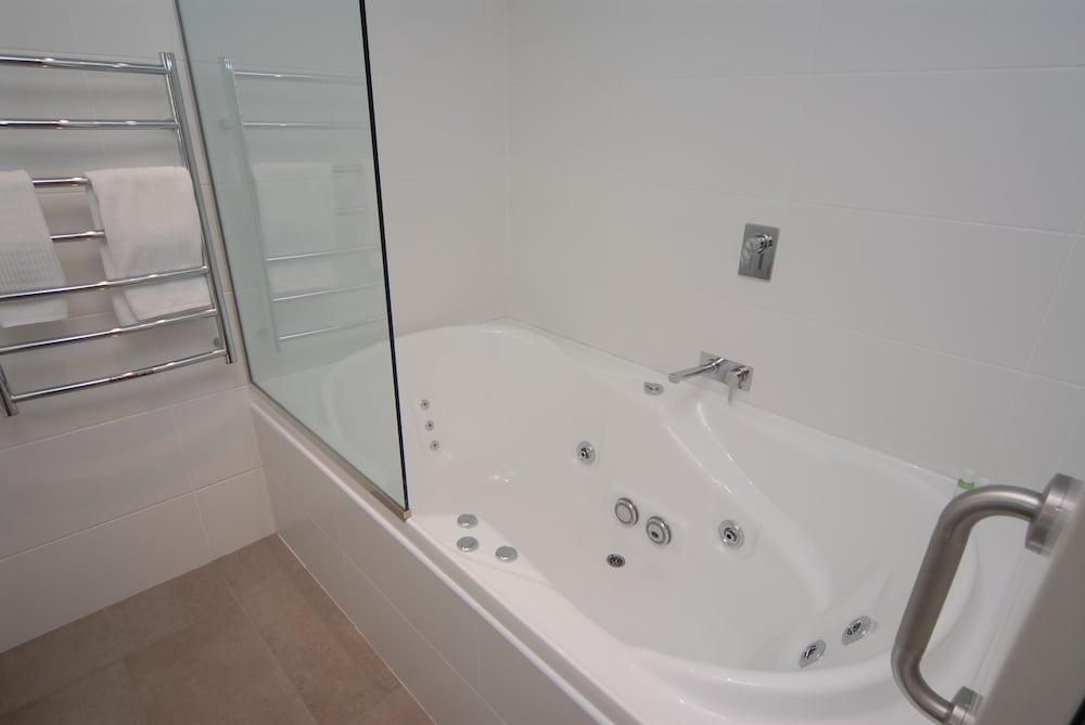 블루스톤 온 조지(Bluestone On George) Hotel Image 31 - Bathroom