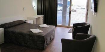 슬립웨이 호텔 모텔(Slipway Hotel Motel) Hotel Image 5 - Guestroom