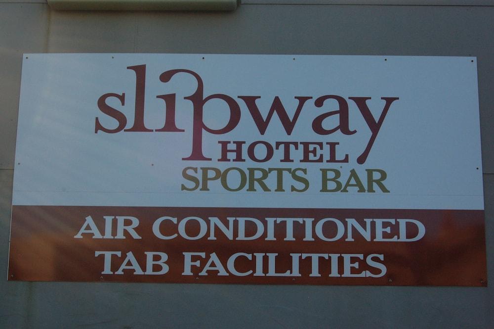 슬립웨이 호텔 모텔(Slipway Hotel Motel) Hotel Image 1 - Lobby