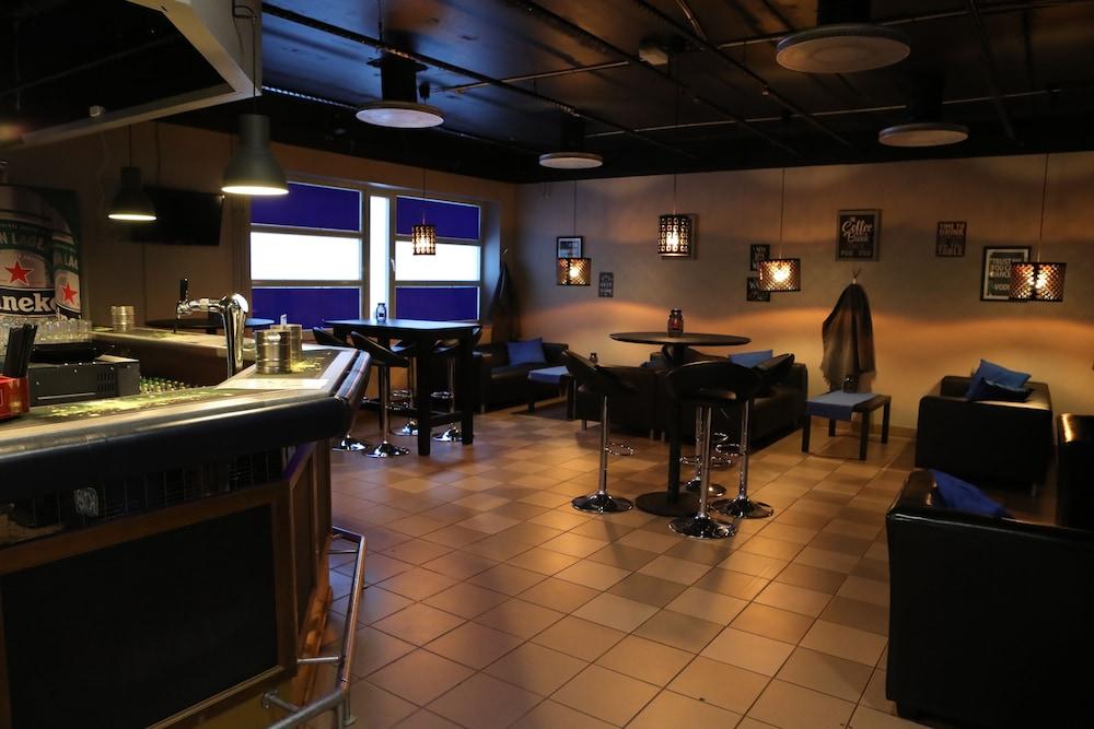 호텔리 누쿠마티(Hotelli Nukkumatti) Hotel Image 45 - Hotel Bar