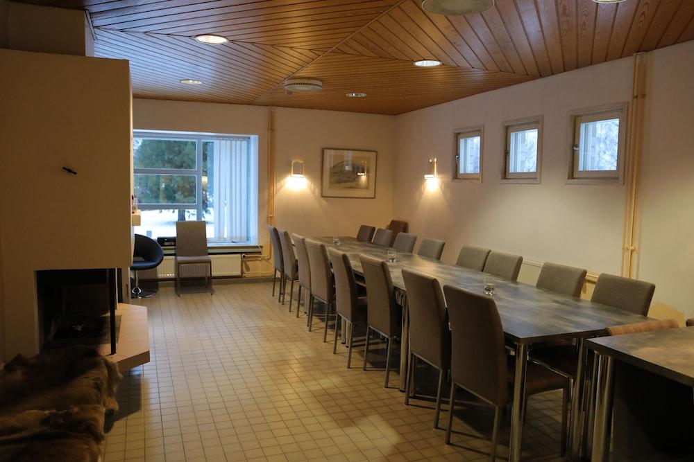 호텔리 누쿠마티(Hotelli Nukkumatti) Hotel Image 49 - Meeting Facility