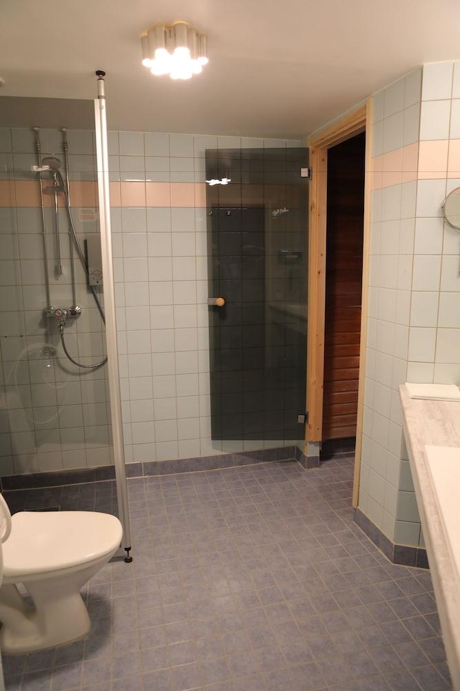 호텔리 누쿠마티(Hotelli Nukkumatti) Hotel Image 53 - Bathroom