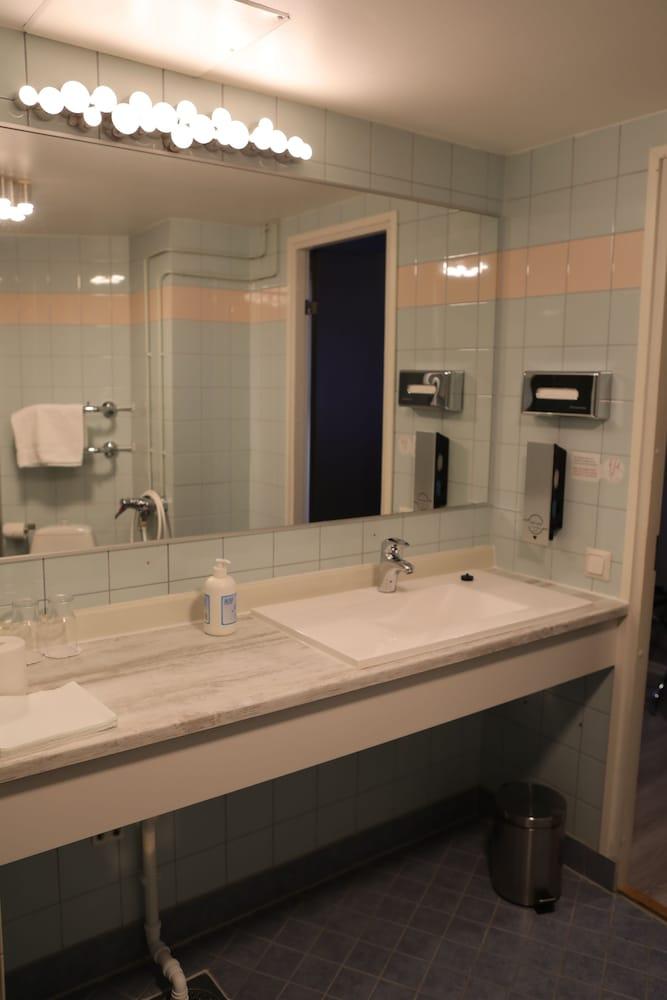 호텔리 누쿠마티(Hotelli Nukkumatti) Hotel Image 29 - Bathroom