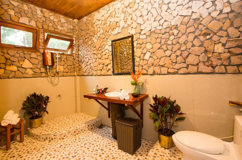 체즈 카로레 리조트 & 스파(Chez Carole Resort & Spa) Hotel Image 55 - Bathroom Amenities