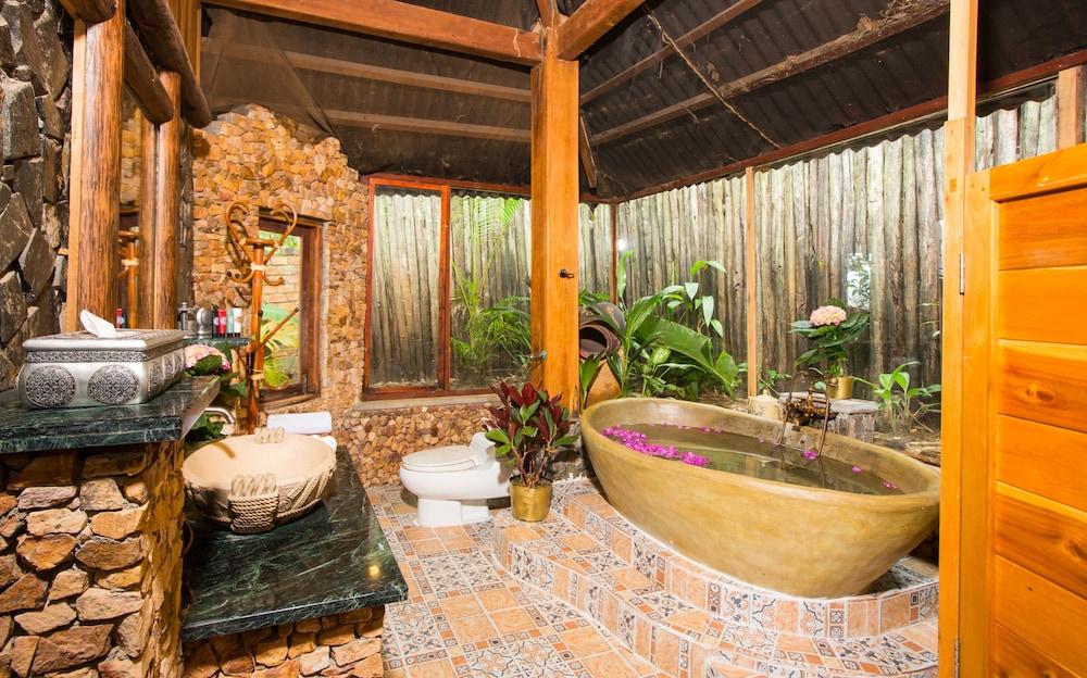 체즈 카로레 리조트 & 스파(Chez Carole Resort & Spa) Hotel Image 56 - Bathroom Amenities