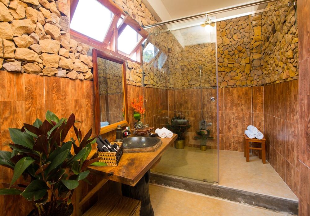 체즈 카로레 리조트 & 스파(Chez Carole Resort & Spa) Hotel Image 57 - Bathroom Amenities