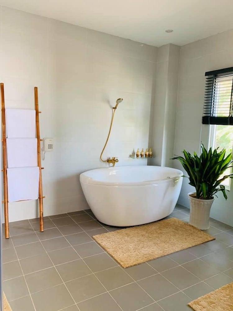 체즈 카로레 리조트 & 스파(Chez Carole Resort & Spa) Hotel Image 62 - Bathroom Amenities