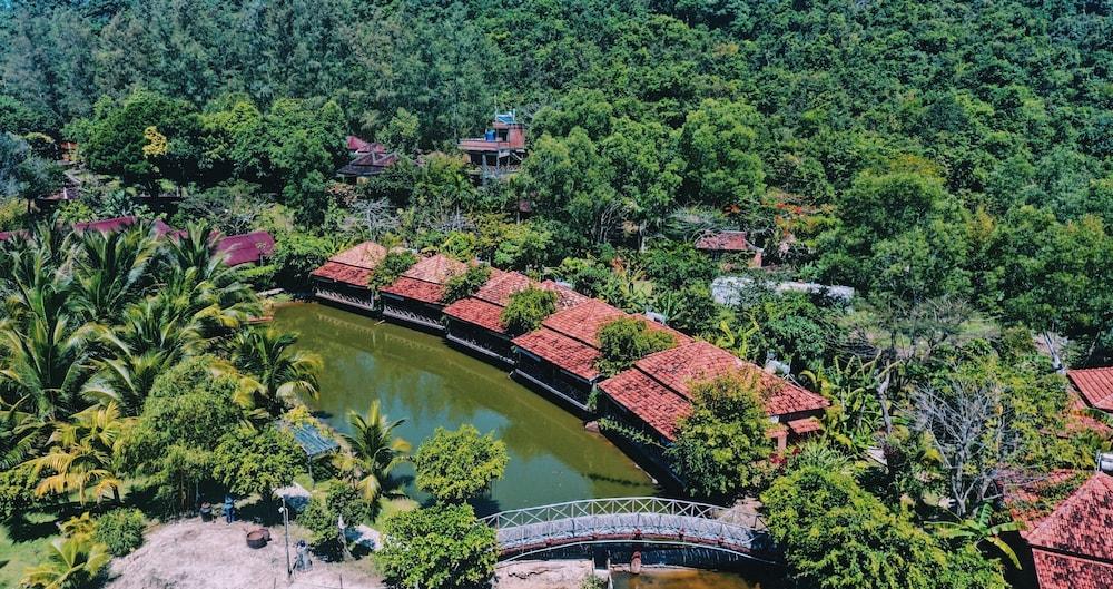 체즈 카로레 리조트 & 스파(Chez Carole Resort & Spa) Hotel Image 95 - View from Hotel