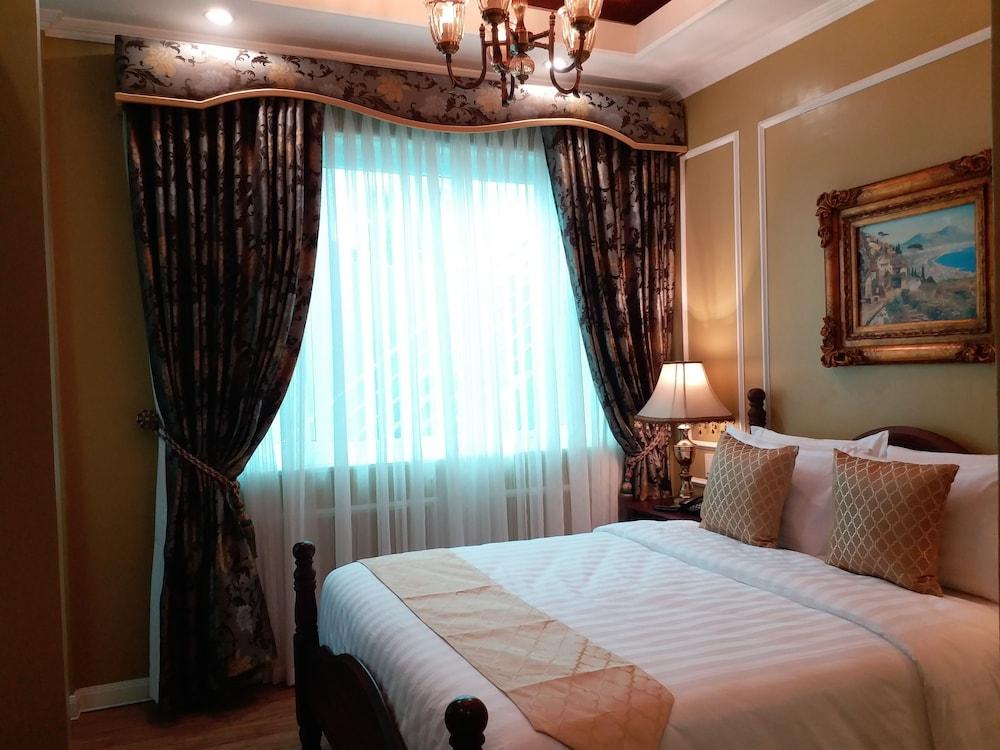 https://i.travelapi.com/hotels/5000000/4250000/4245800/4245701/1f89c038_z.jpg