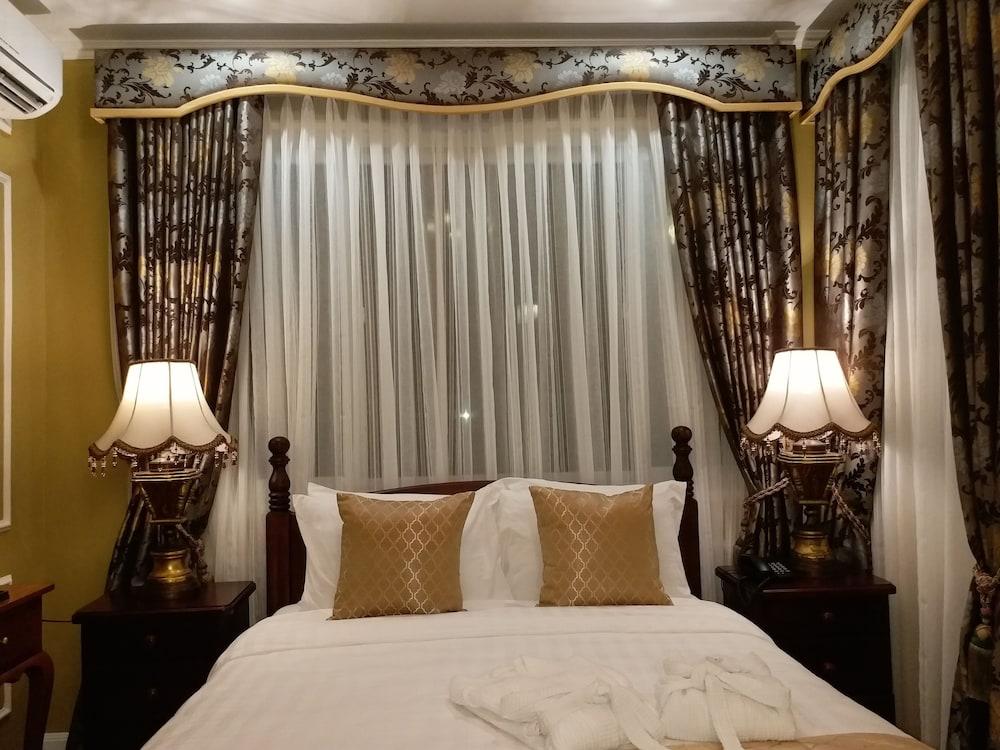 https://i.travelapi.com/hotels/5000000/4250000/4245800/4245701/2964a4da_z.jpg