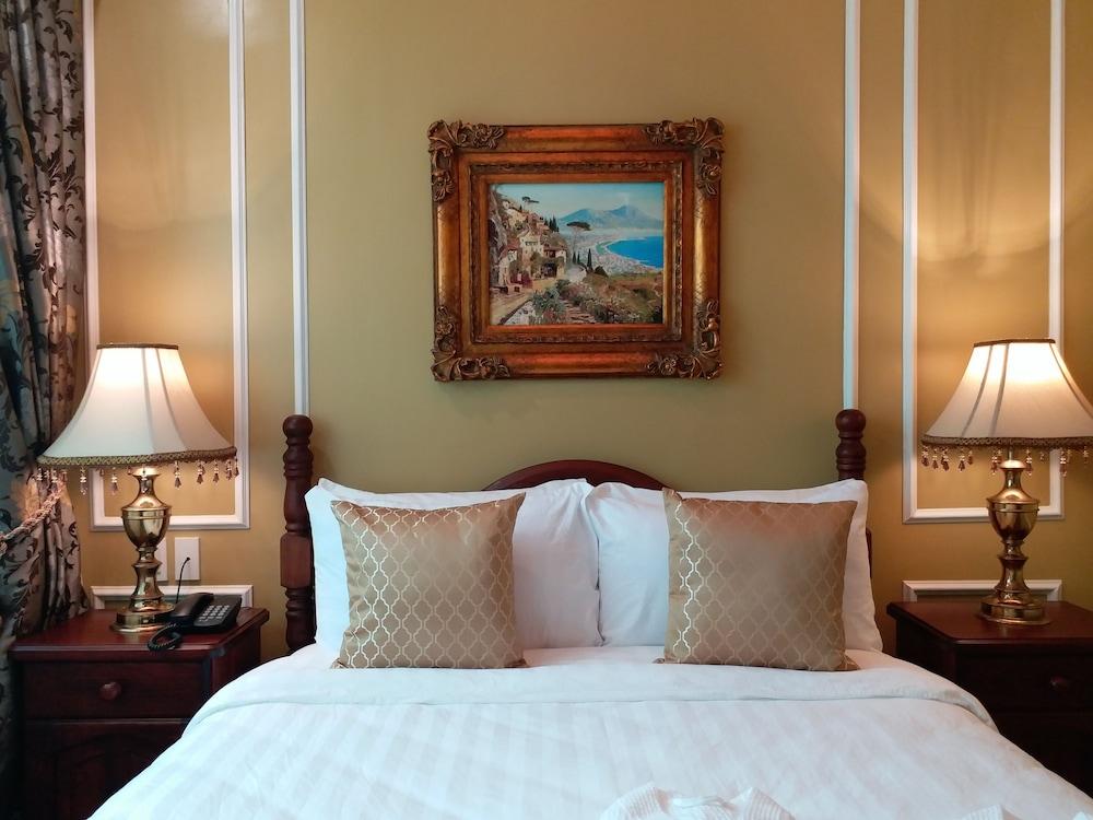https://i.travelapi.com/hotels/5000000/4250000/4245800/4245701/eb86318d_z.jpg